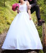 Jednoduché svadobné šaty pre kreatívnu nevestu, 34
