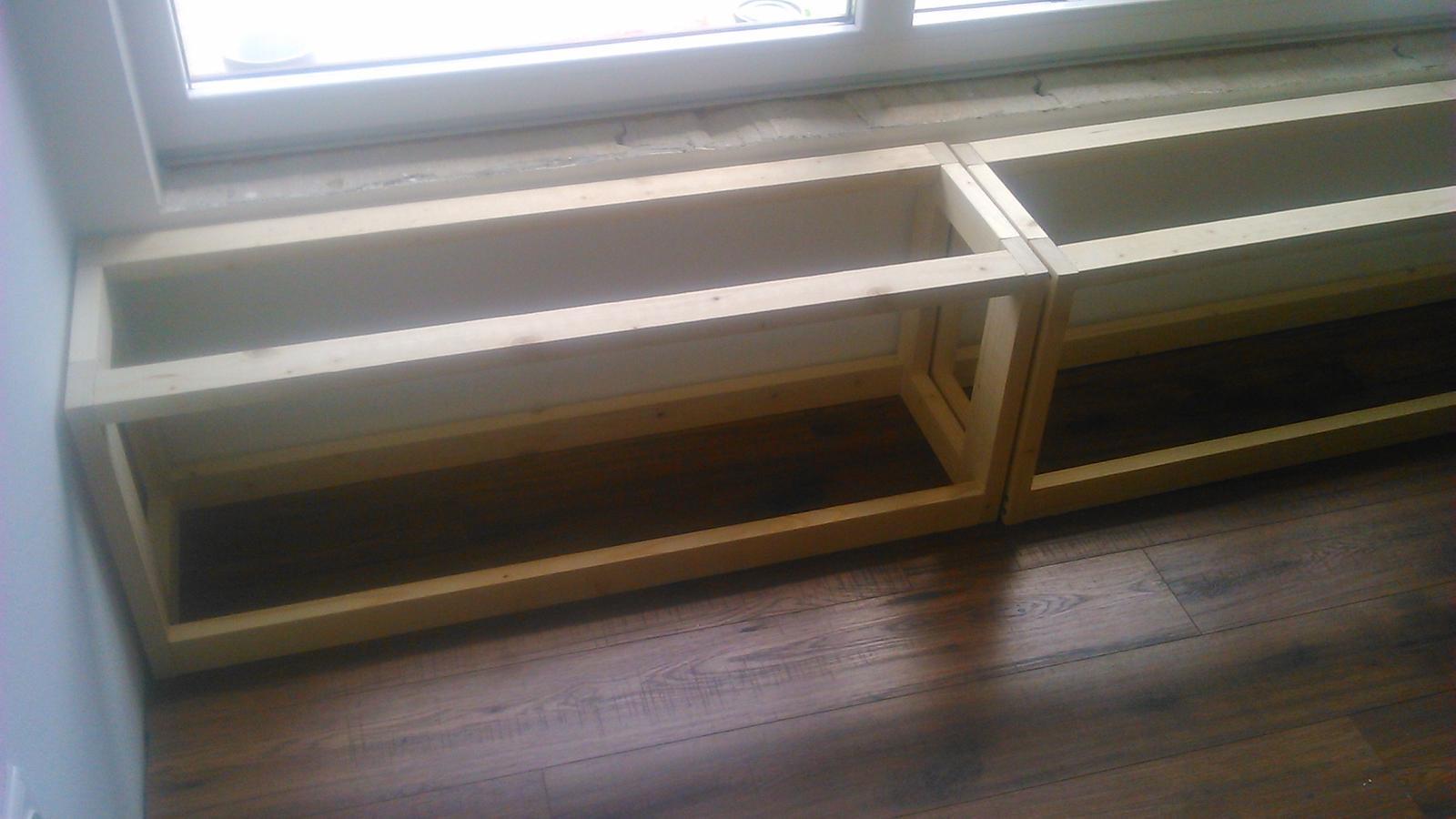 Ako sme vyrábali sedíliu po našom. Z materiálu....čo dom dal :-) - Obrázok č. 37