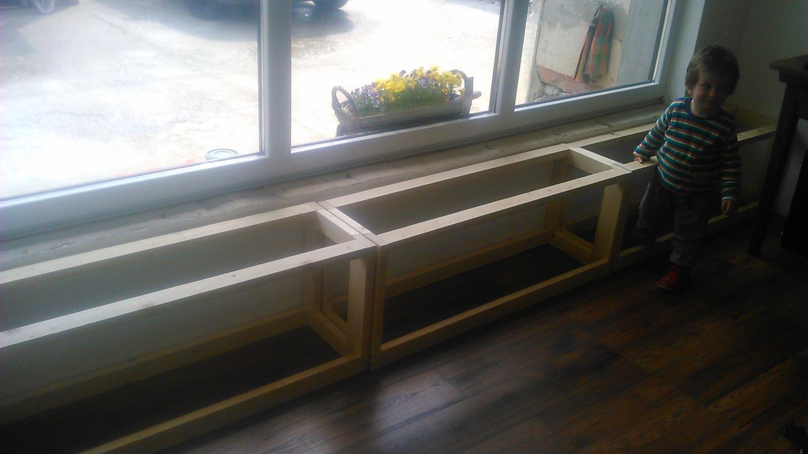 Ako sme vyrábali sedíliu po našom. Z materiálu....čo dom dal :-) - Obrázok č. 33