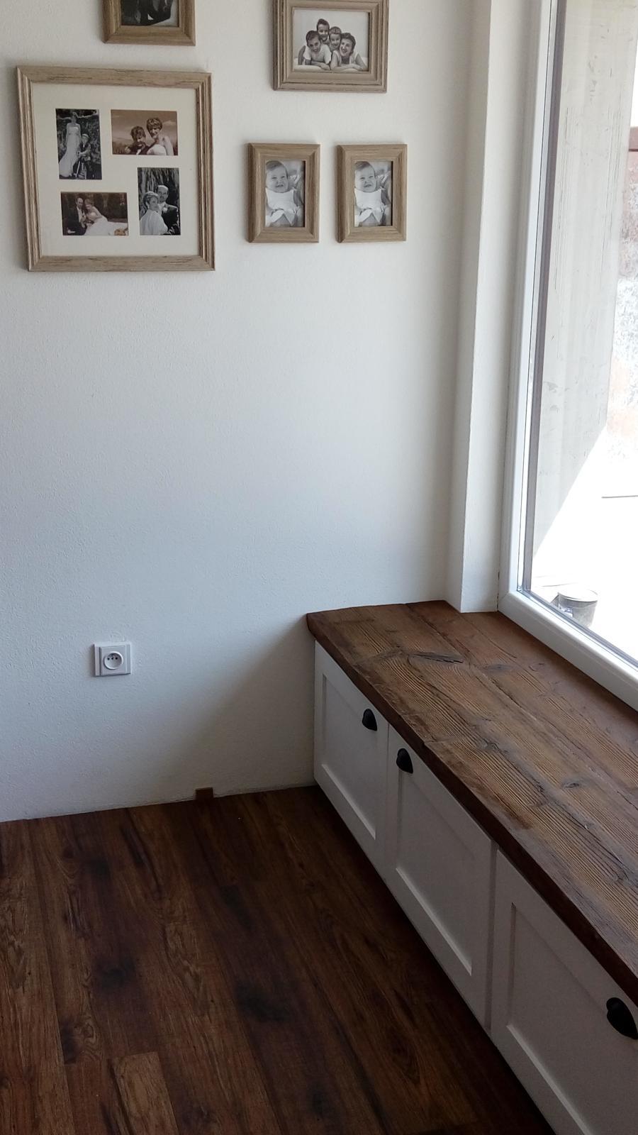 Ako sme vyrábali sedíliu po našom. Z materiálu....čo dom dal :-) - finále .-ň