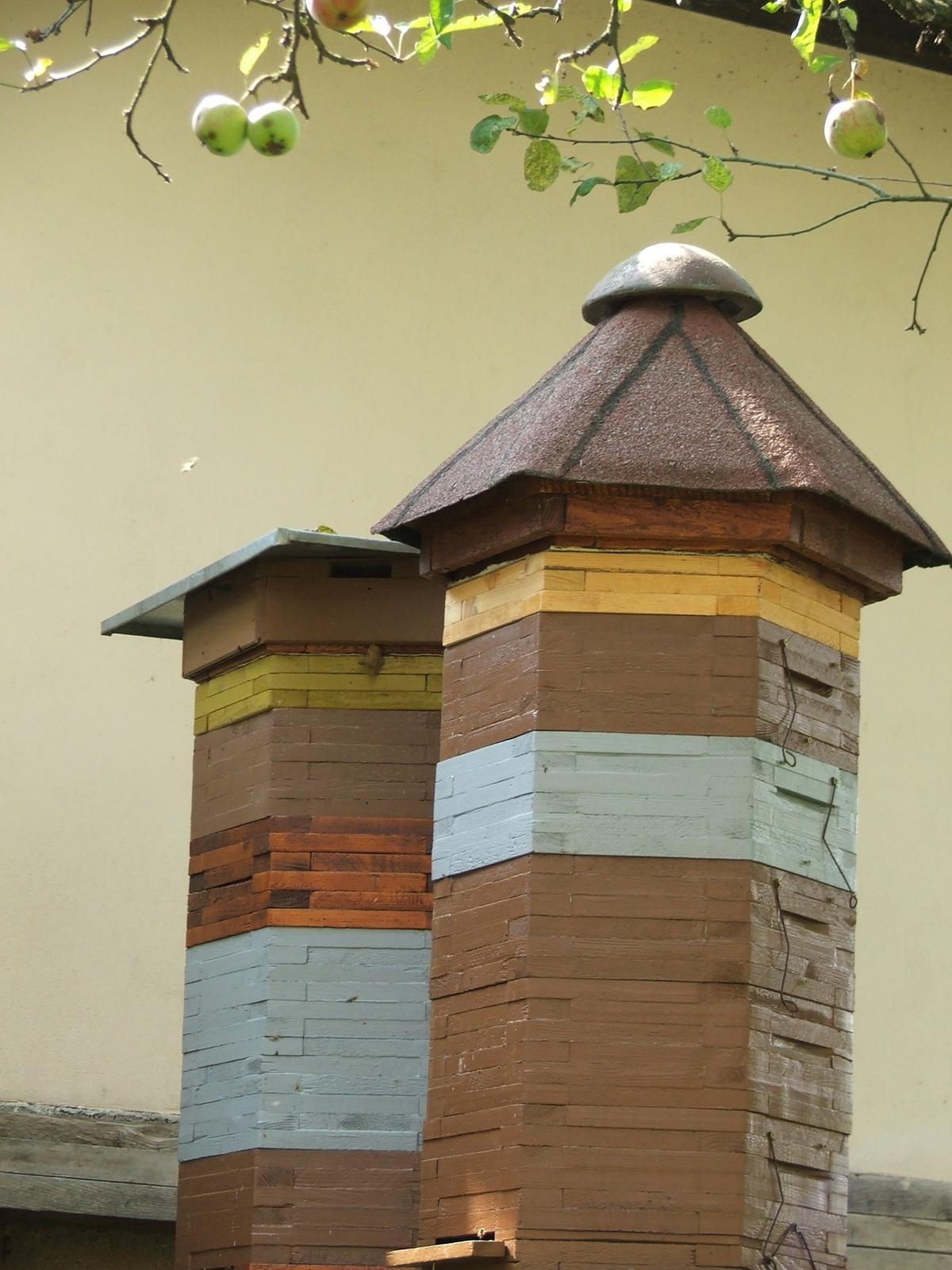 Tam kde si chodíme vyčistiť hlavu :) - bezúdržbové úly....ja tomu nerozumiem...ale muž hovorí, že sa tak volajú ;-)
