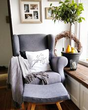 už je aj stolček zreparovaný...môžeme po plodnom roku konečne oddychovať a vyložiť nohy ;-)