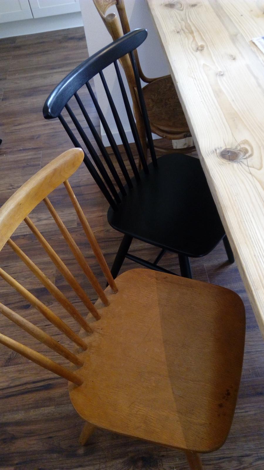 Premeny - pred a po....Stoličky prešli menšou renováciou...čierna prekryla všetky nedostatky...a môžu slúžiť ďalšie roky.... ;-)