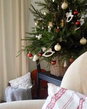 tento rok smotanovo, bielo, červeno, koníkovo...nech aj malinký má radosť ;-) Ale veď o to hlavne ide...aby deti mali radosť...