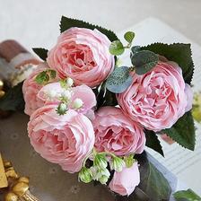 Umělé kytky na výzdobu objednané z Ali