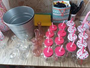 Ice kýble, skleničky, vázyčky..