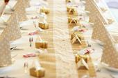 Vintage Jutove behouny s krajkou na svatební stůl ,