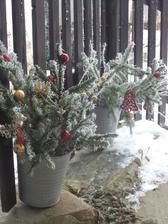loňská venkovní výzdoba, letošní je ještě potřeba mírně doupravit...