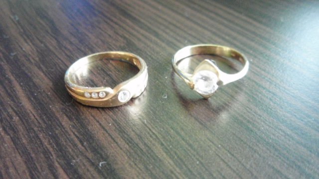 Lucka a Miško /29.8.2009/ - a toto su moje prstienky..