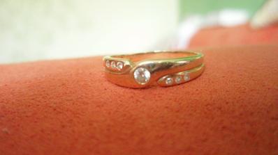 tymto ma moj milacik ziadal o ruku v r 2005.. ale mne to bolo na svadbu este skoro :)