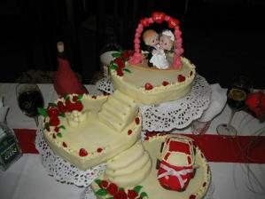 Moja svadobná torta,čo mi spravila moja dvojča!:):):)