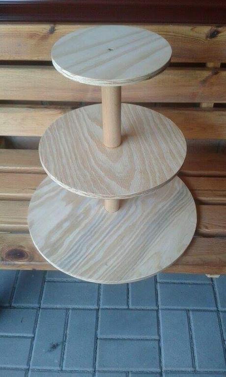 Dřevěný stojan na dort cupcakes  - Obrázek č. 1