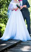 Svadobné šaty s padnutými ramienkami, 34