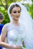 svadobné šaty vykladané kamienkami, 34