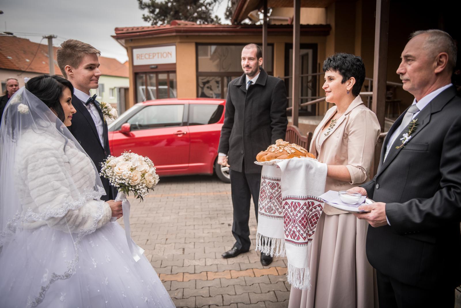 ♥ Březnová svatba v Brně ♥ Diana & Erik ♥ - Obrázok č. 1