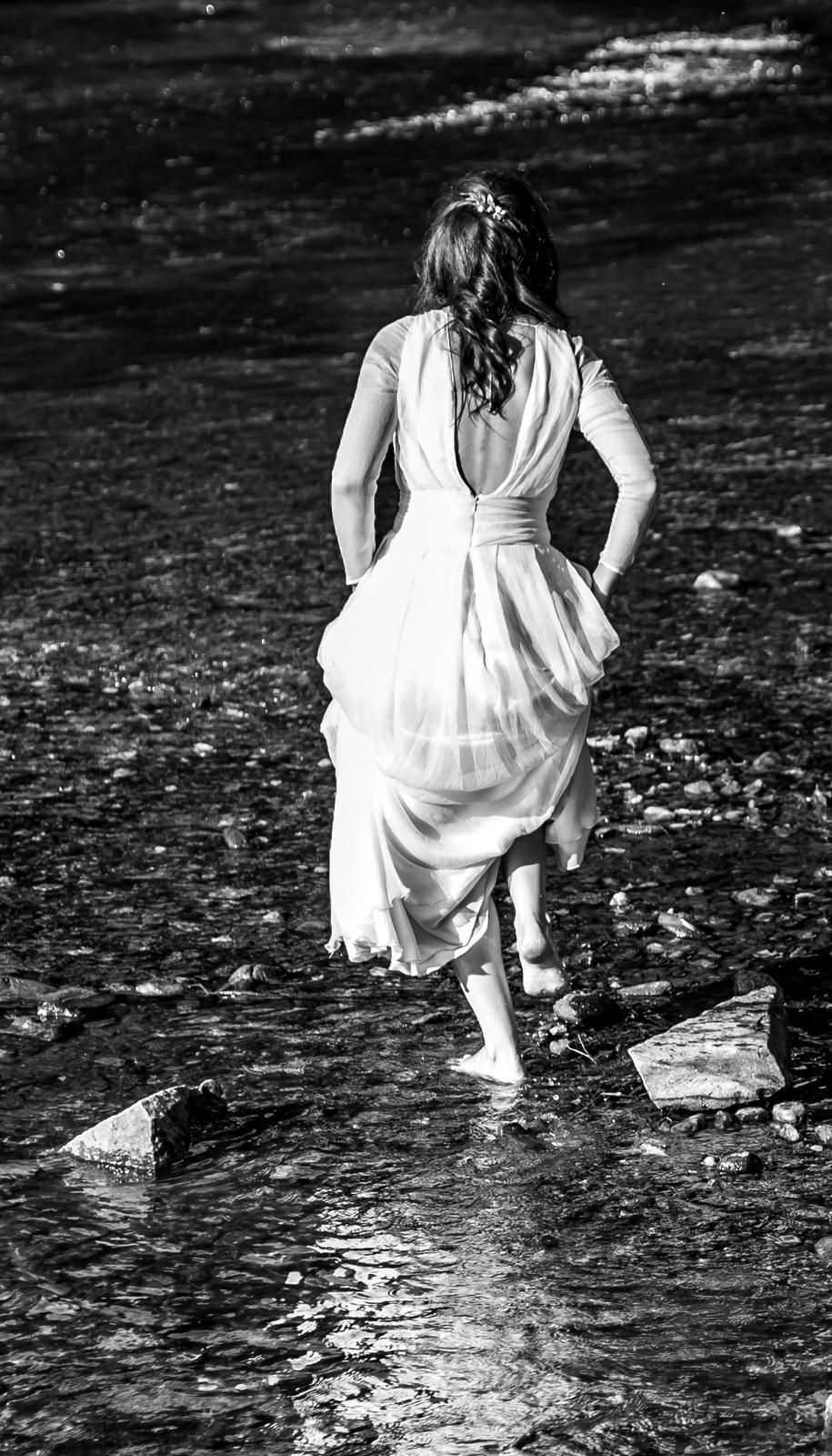 Svatební šaty z hedvábí - Obrázek č. 2