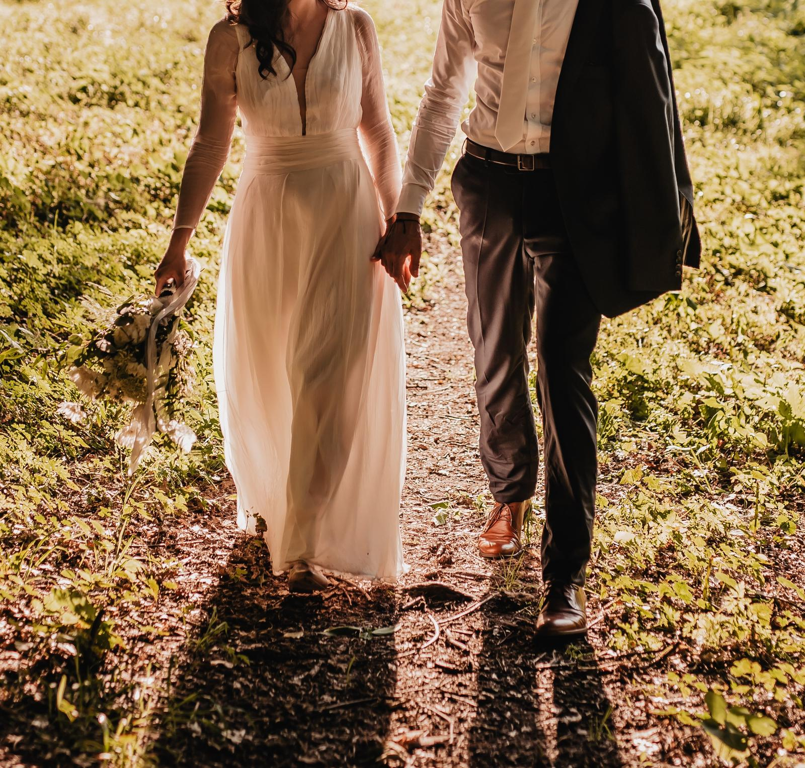 Svatební šaty z hedvábí - Obrázek č. 3