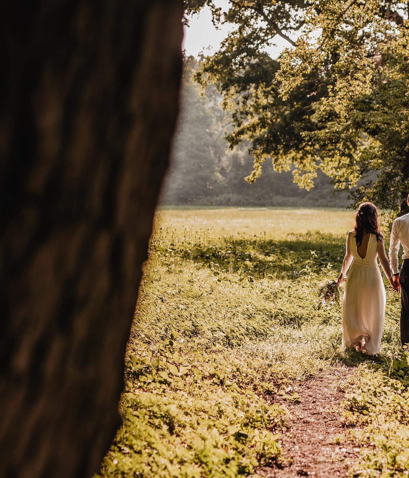Svatební šaty z hedvábí - Obrázek č. 4