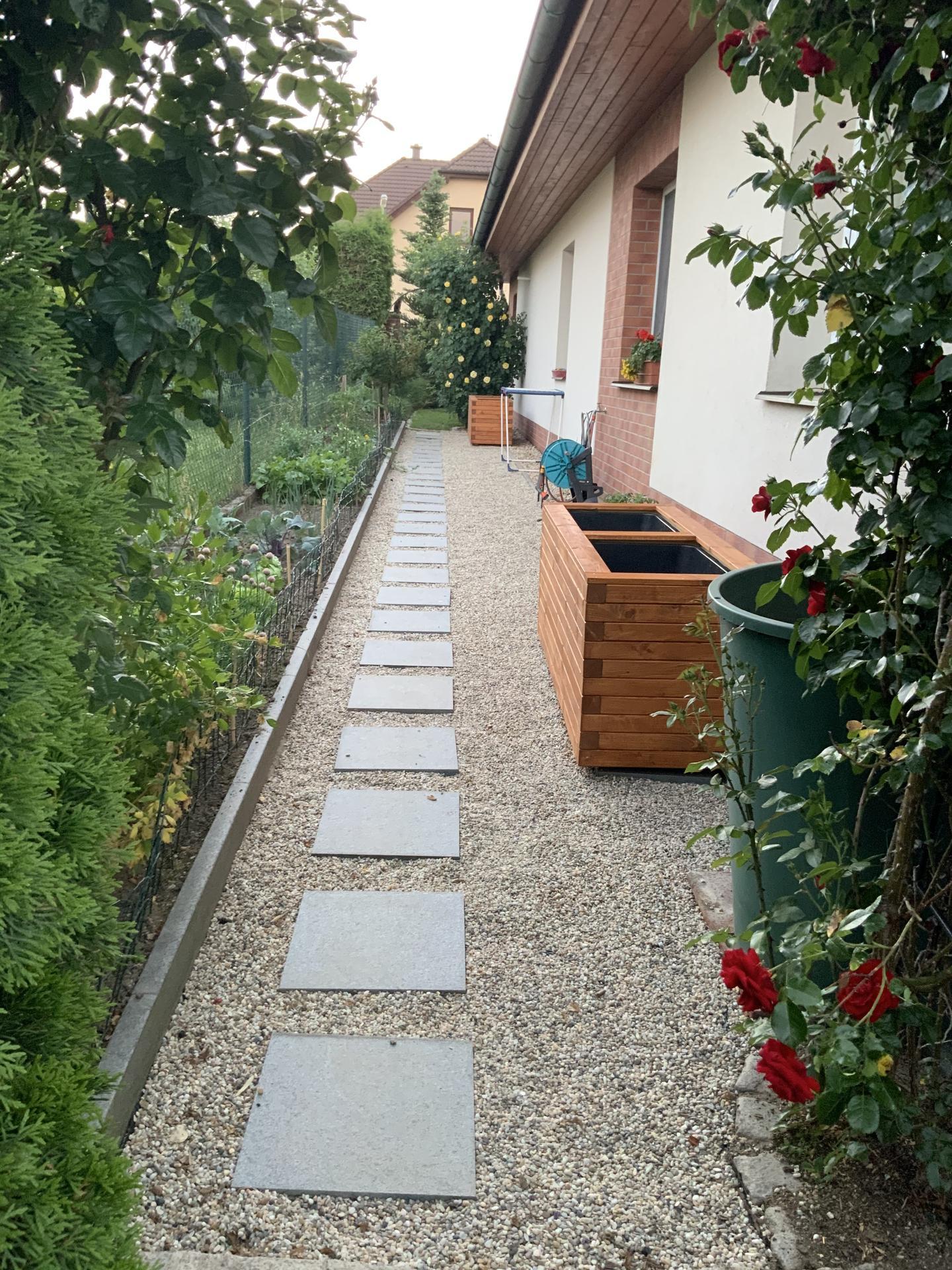 ...Naše zahrada... - ... Naše zeleninová část zahrady...