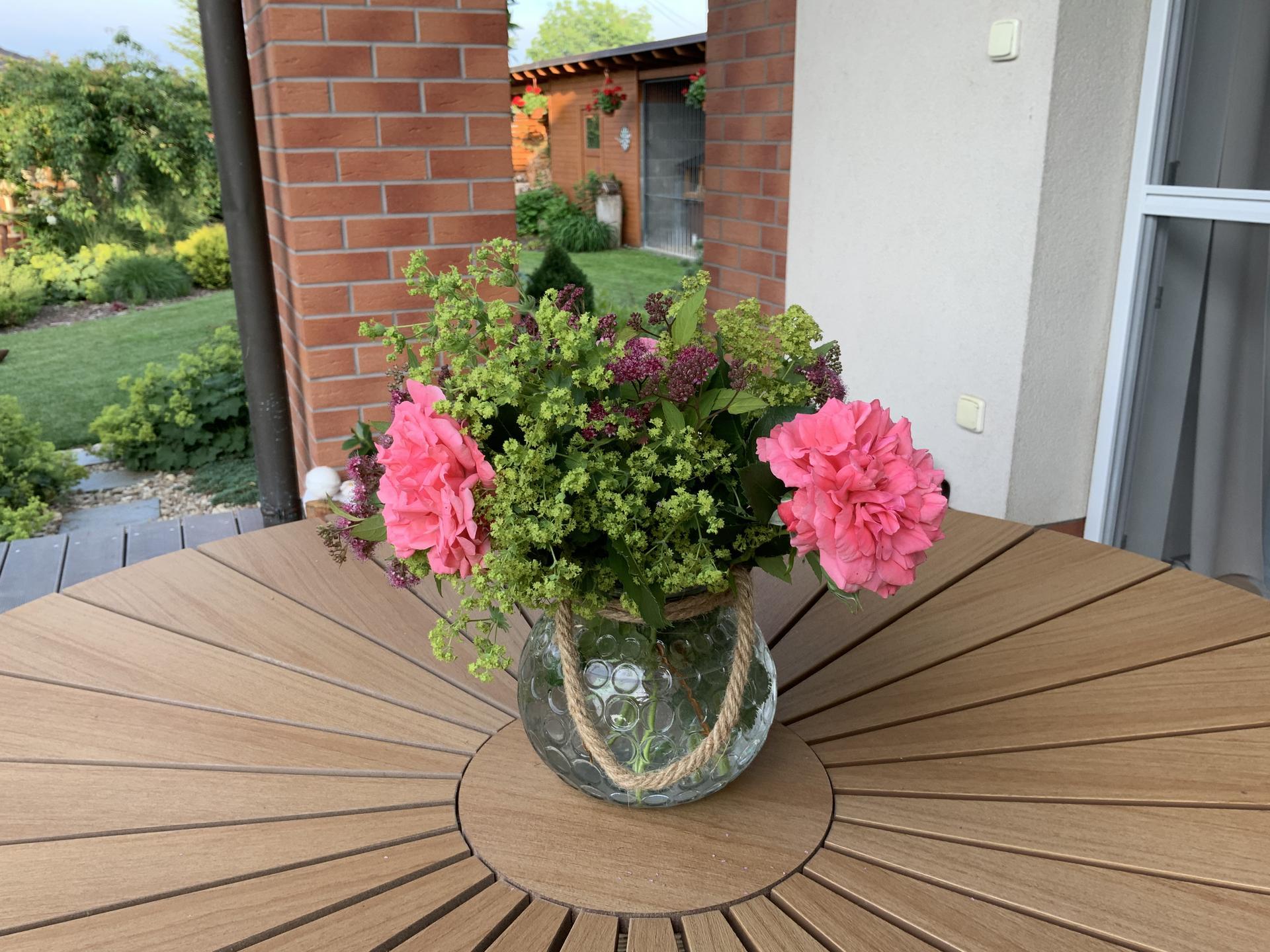 ...Naše zahrada... - Obrázek č. 37
