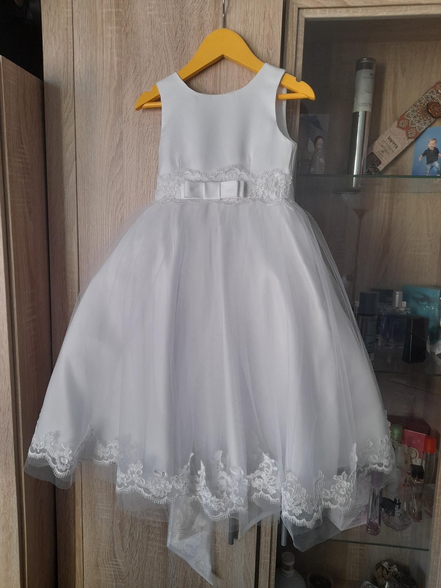 To je ono! :) - Šaty pro tu naší princeznu :-)
