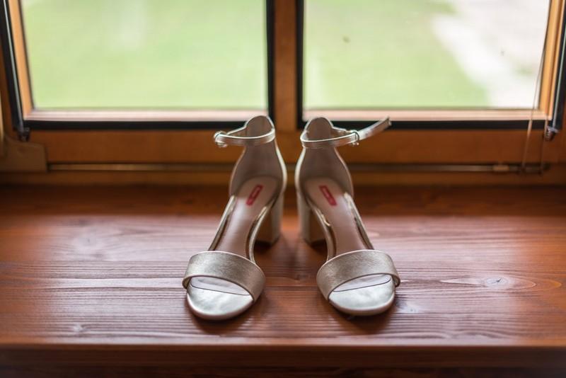 Zlaté sandálky Baťa - Obrázek č. 1