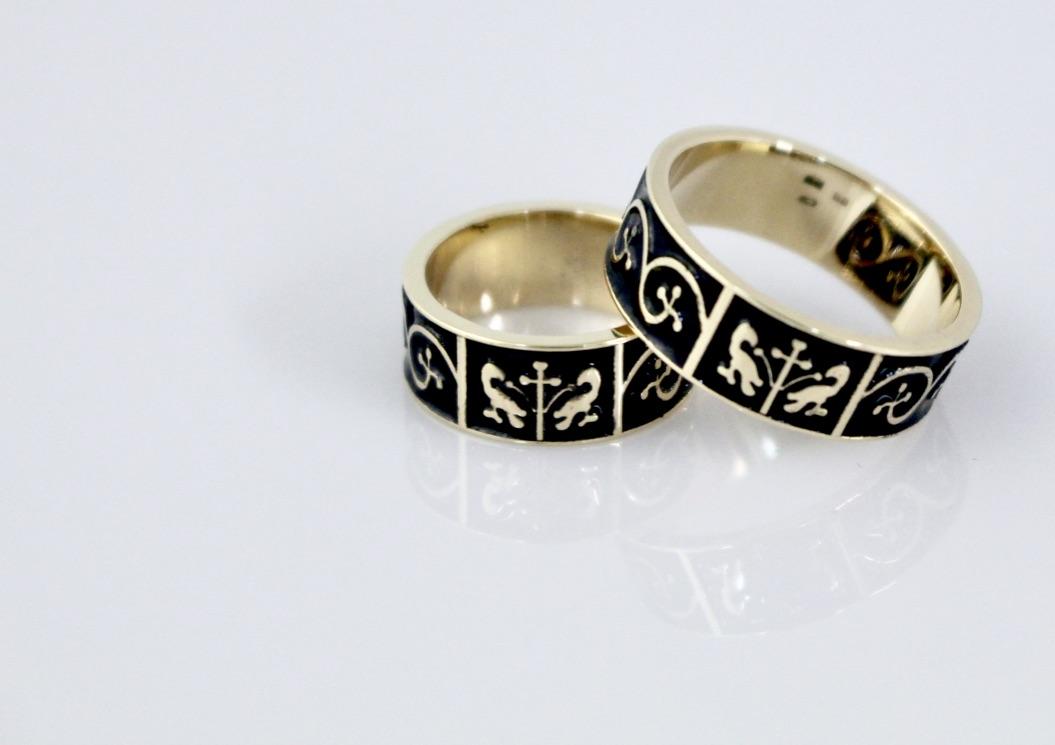 Obrúčky z nášho ateliéru - obrúčky podľa historického originálu z 15.storočia,14 karátové zlato, pravý vypaľovaný email