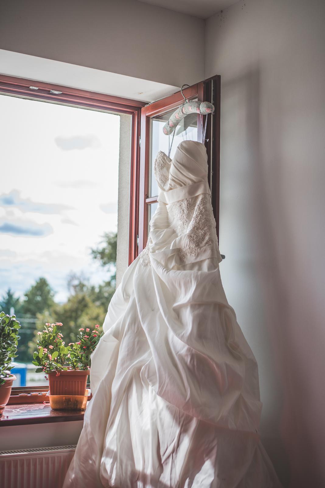 Krásne svadobné šaty z Anglicka; 36-38 Ivory - Obrázok č. 2