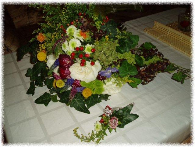 Naše svatba 13.8.2010 - moje kytí a korzáž
