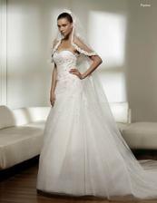už sú moje :), svadobné šaty so španielským závojom
