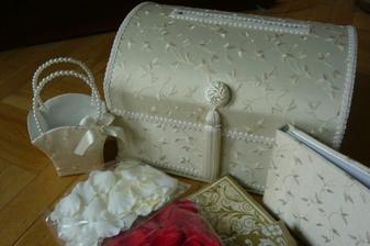 zasielka z USA...schránka na blahoželanie, kniha hostí, košiček pre družičky...1