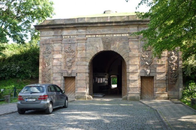Přípravy na velký den - tady se budeme brát - Písecká Brána - Praha 6