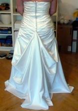 foceno bez spodnice, uchycení spodničky (už je po svatbě, jsou na prodej)