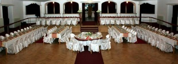 Kino Slovan Kosice-mal tam niekto svadbu???