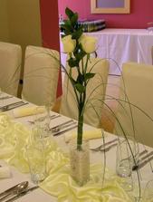 takéto ružičky budú na stoloch pre hostí