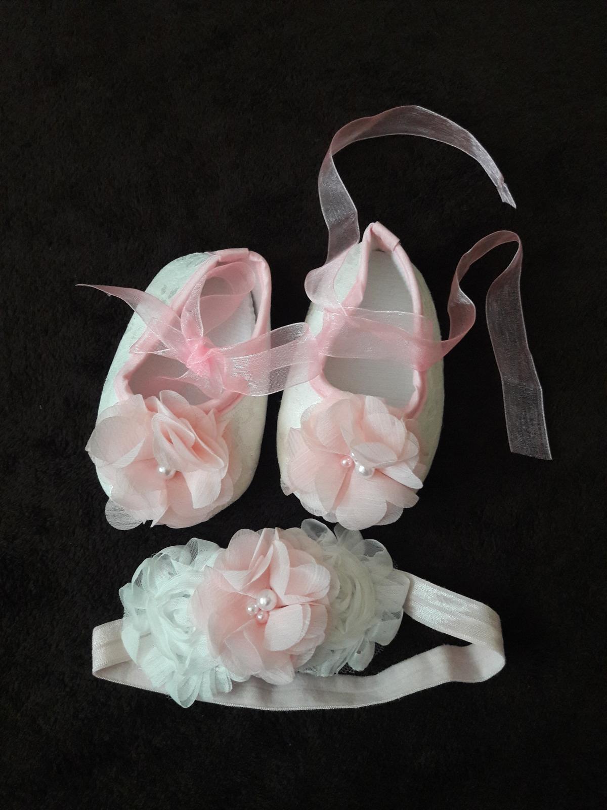 Súprava topánočky a čelenka - Obrázok č. 1
