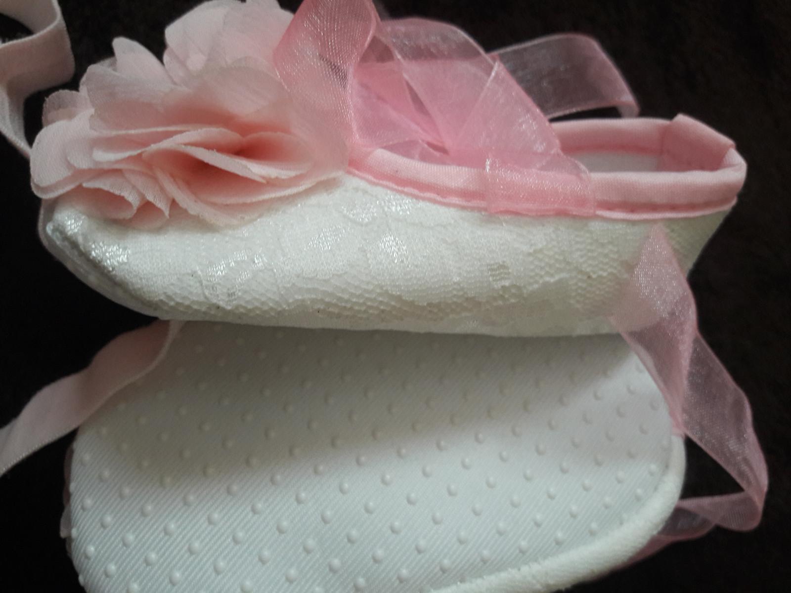 Súprava topánočky a čelenka - Obrázok č. 2