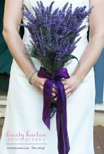 jako svatební kytici budu mít levandule s fialovou stuhou