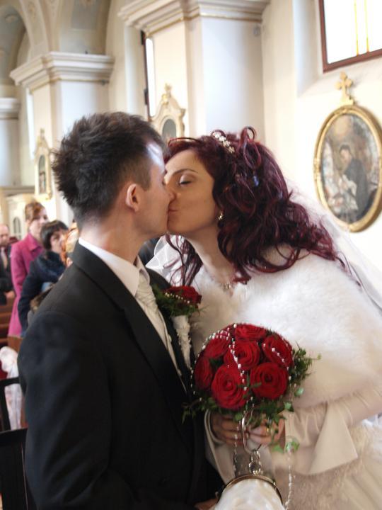 Michaela{{_AND_}}Štefan - ...a prvý manželský bozk