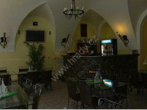 Restaurace zámku v přízemí