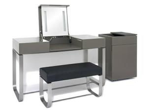 stolek do ložnice na nalíčení se?:-)