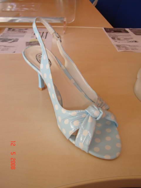 Přípravy - ....tyhle boty si možná vezmu večer, až se převléknu
