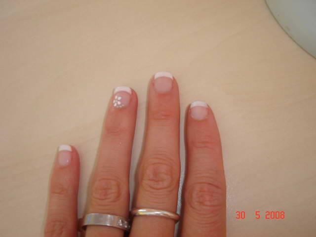Přípravy - ....takhle budou vypadat moje nehty na svatbu