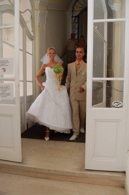 Lucie{{_AND_}}Jan - a už vycházíme z úřadu jako manželé :-)