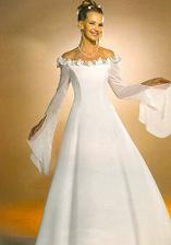 svatební šaty snad vhodné pro nastávající maminky