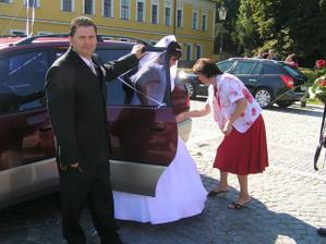 vystupování z auta-byl to boj:-)