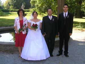 s rodiči a svědkem