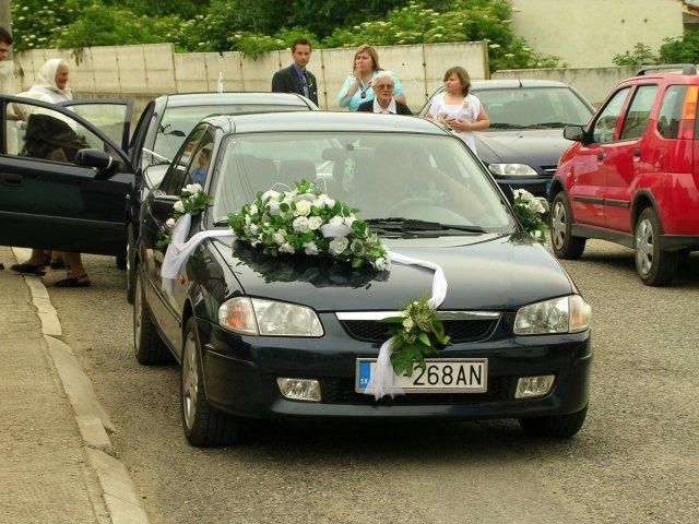 Eva Summerová{{_AND_}}Peter Juráček - svadobné auto