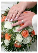 nadherna svatebni kytice a prstynky..