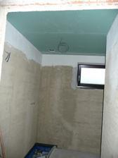 spodní koupelna...